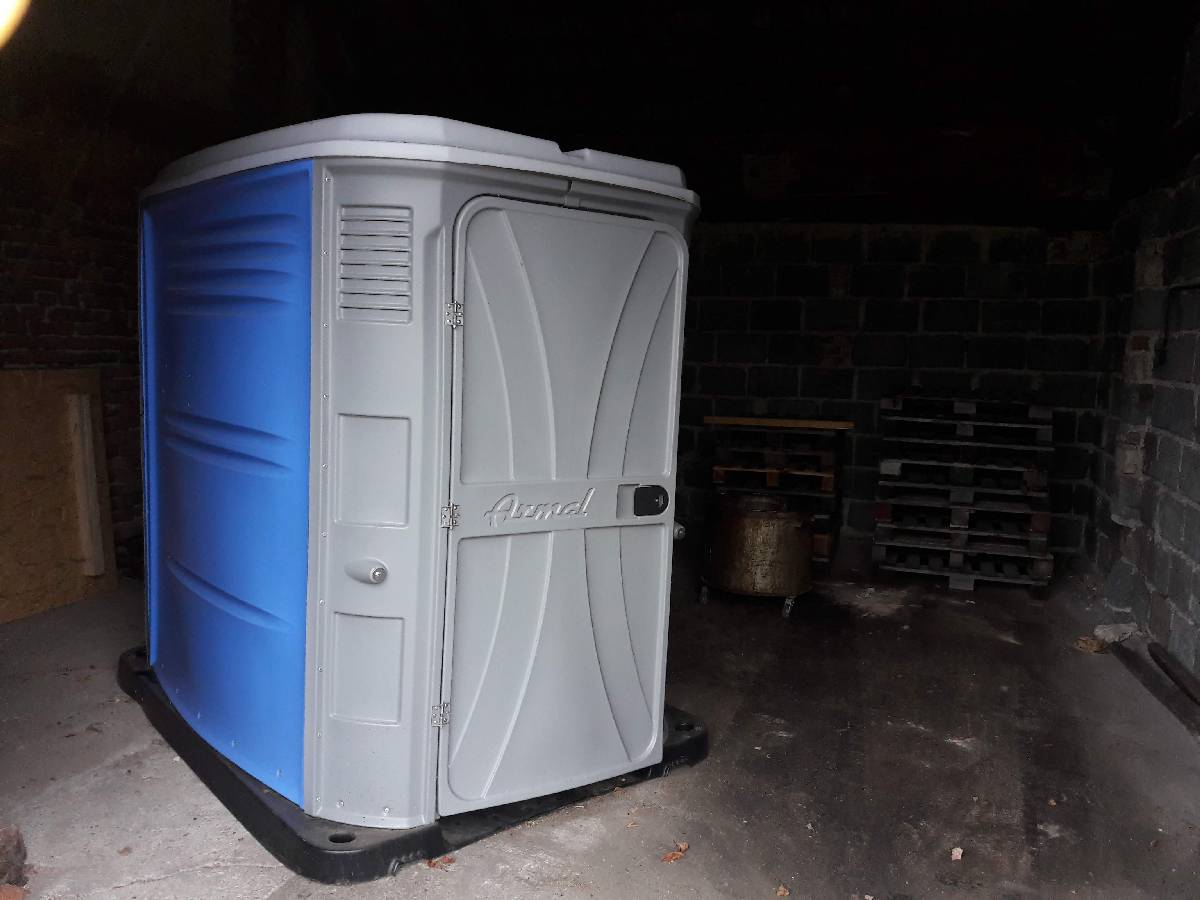 WC 1.jpg