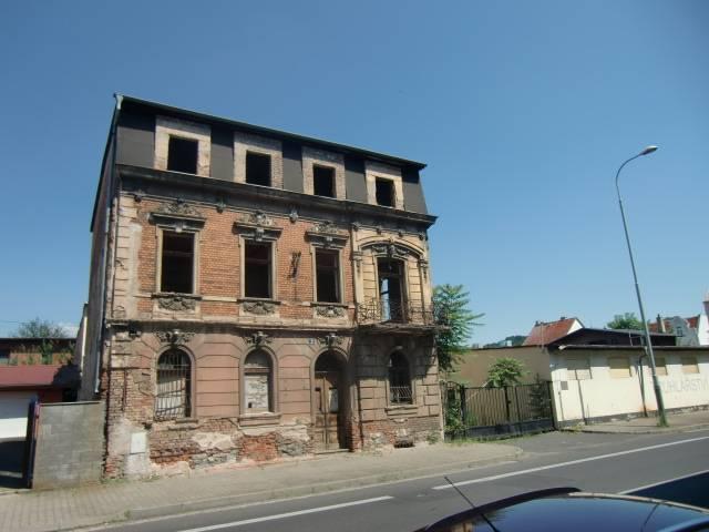 Bytový dům a komerční areál v obci Krásné Březno,