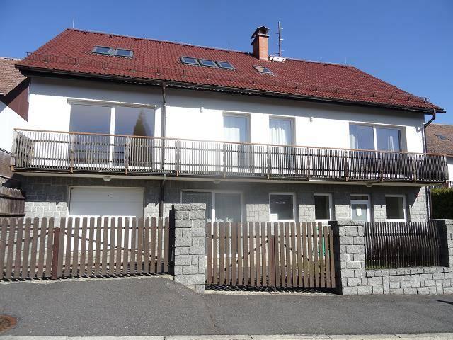 Prodej rodinného domu o dispozici 7+2 s garáží