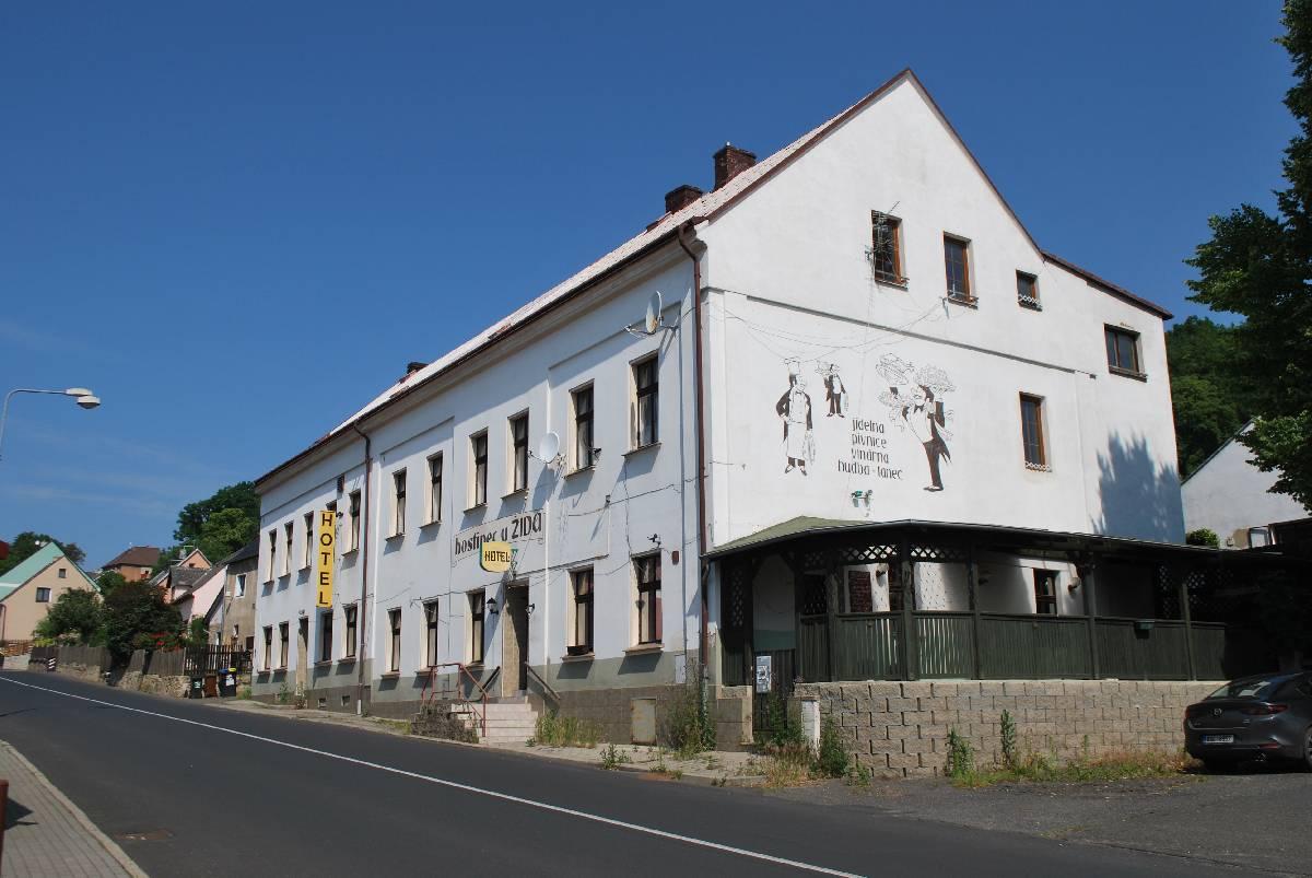Prodej hotelového zařízení s restaurací a velkou